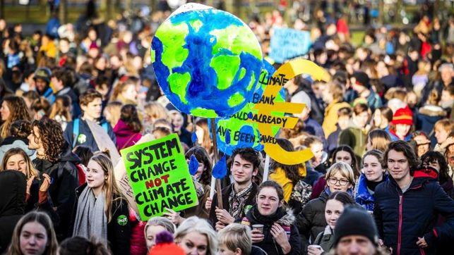 estudiantes-marchan-cambio-climatico_EDIIMA20190207_0648_4