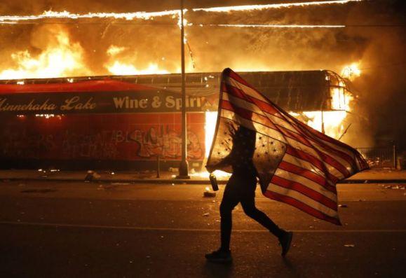 protestas-en-minneapolis-por-la-muerte-de-george-floyd-20200529-963780